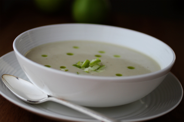 GLUTEN-FREE CELERY ROOT SOUP W/CASHEW CREAM | Smith Bites