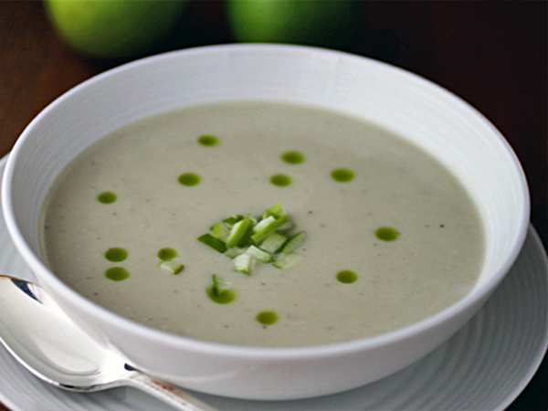 Post image for GLUTEN-FREE CELERY ROOT SOUP W/CASHEW CREAM