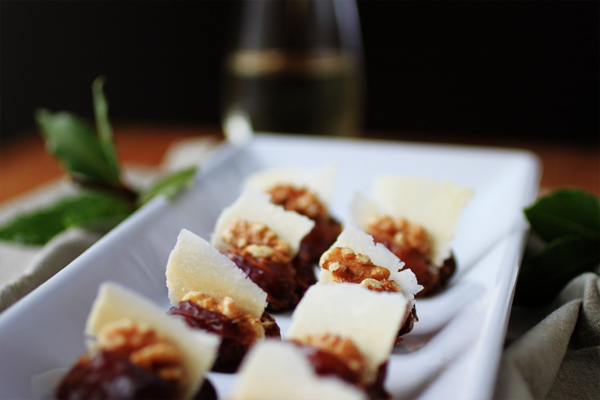 Post image for DATES STUFFED W/PARMESAN SLIVERS & WALNUTS