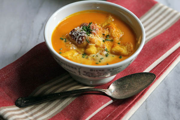 Post image for ROASTED PUMPKIN-GINGER BISQUE W/BRIOCHE CROUTONS