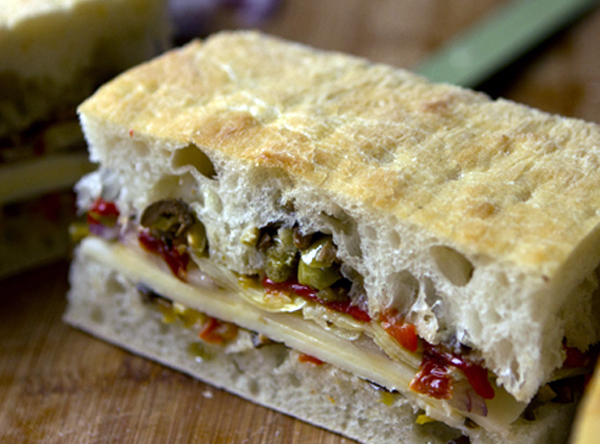 Post image for MEATLESS MUFFULETTA