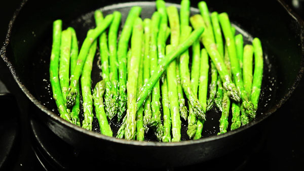 Post image for ASPARAGUS SALAD WITH TOMATO VINAIGRETTE
