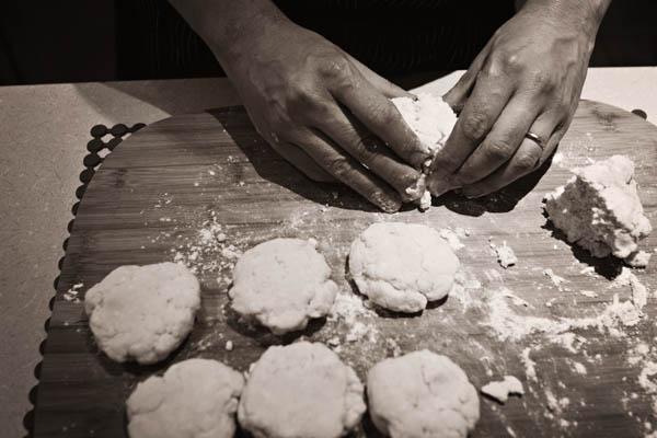 GLUTEN-FREE CHICKEN POT PIE WITH CHEDDAR BISCUITS | Smith Bites