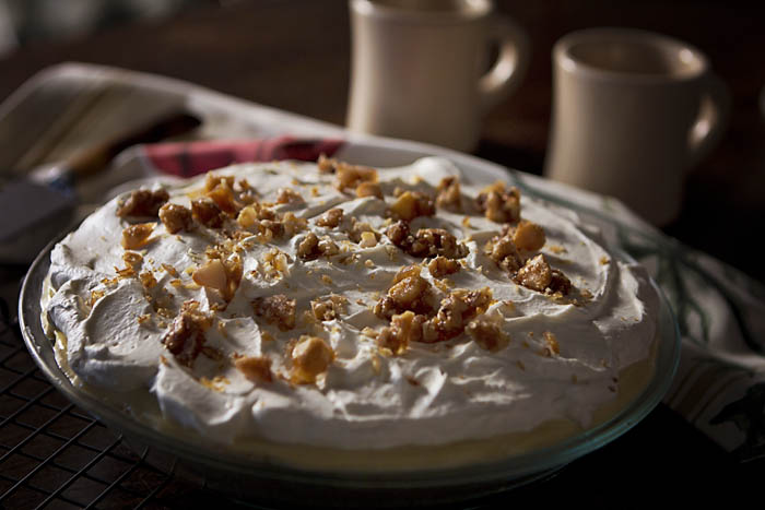 Post image for GLUTEN-FREE BANANA CREAM PIE WITH MACADAMIA PRALINE