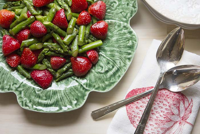 asparagus_strawberry_salad_2