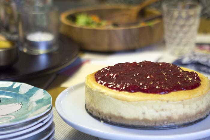 Post image for GLUTEN-FREE RICOTTA CHEESECAKE WITH STRAWBERRY SPOON FRUIT