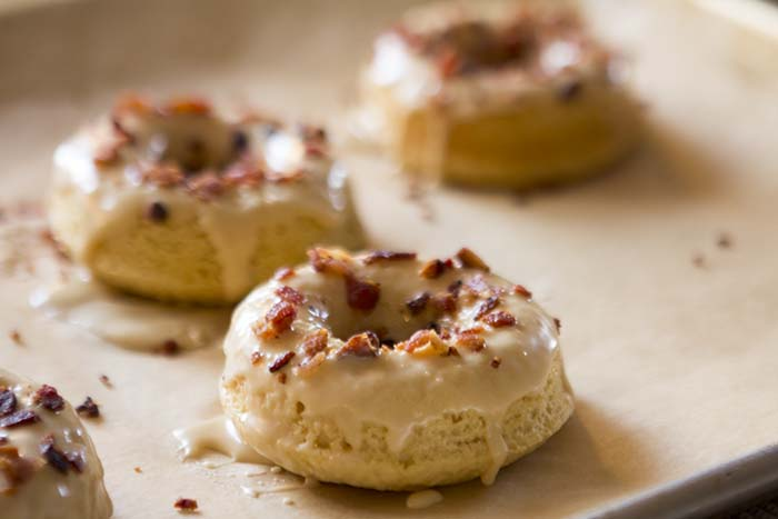 GLUTEN-FREE MAPLE-BACON DOUGHNUTS | Smith Bites
