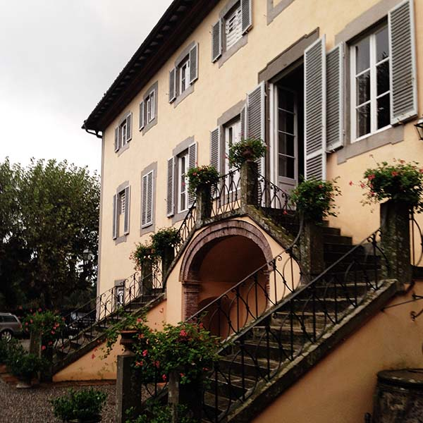 villa_exterior