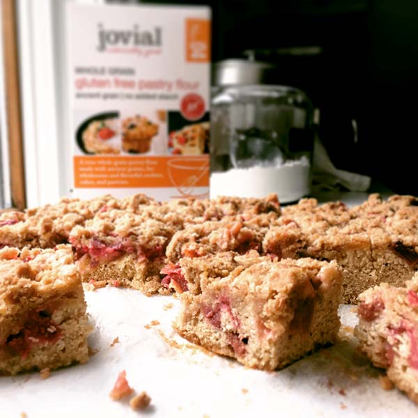 Post image for GLUTEN-FREE RHUBARB SNACK CAKE