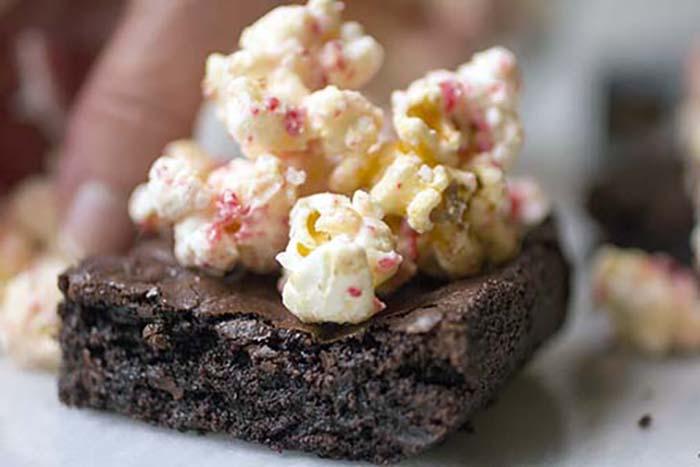 white-choco_peppermint_mocha_brownie_2